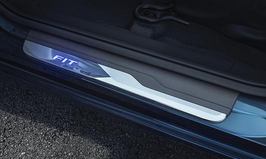 Model main comprar protetor de soleira iluminada 0f598ca921