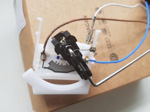 Indicador Sensor Reserva Combustível Polo Vw 2q0919673