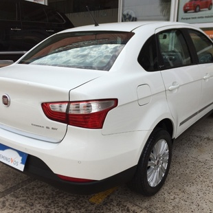 Fiat Grand Siena Essence 1.6 Flex 4P