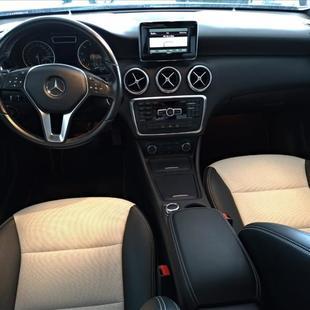 Mercedes Benz A 200 1.6 Turbo Urban 16V