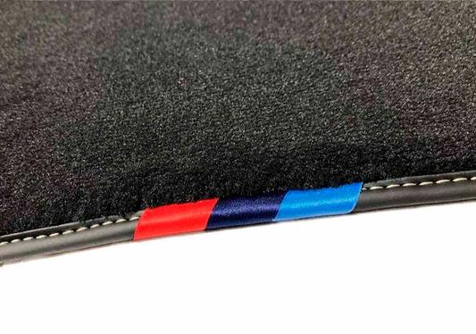 galeria Jogo de tapete dianteiro e traseiro X2 Linha M