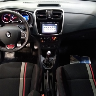 Renault Sandero 2.0 Rs 16V Flex 4P Manual