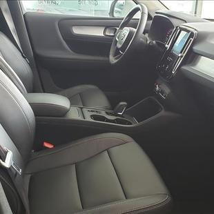 Volvo XC40 2.0 T5 Momentum AWD Geartronic