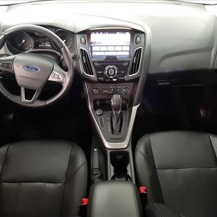 Ford FOCUS 2.0 SE Fastback 16V