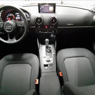 Audi A3 1.4 TFSI Sedan Ambiente 16V
