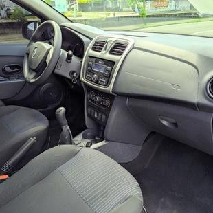 Renault Sandero Authentique 1.0 12V Sce Fle