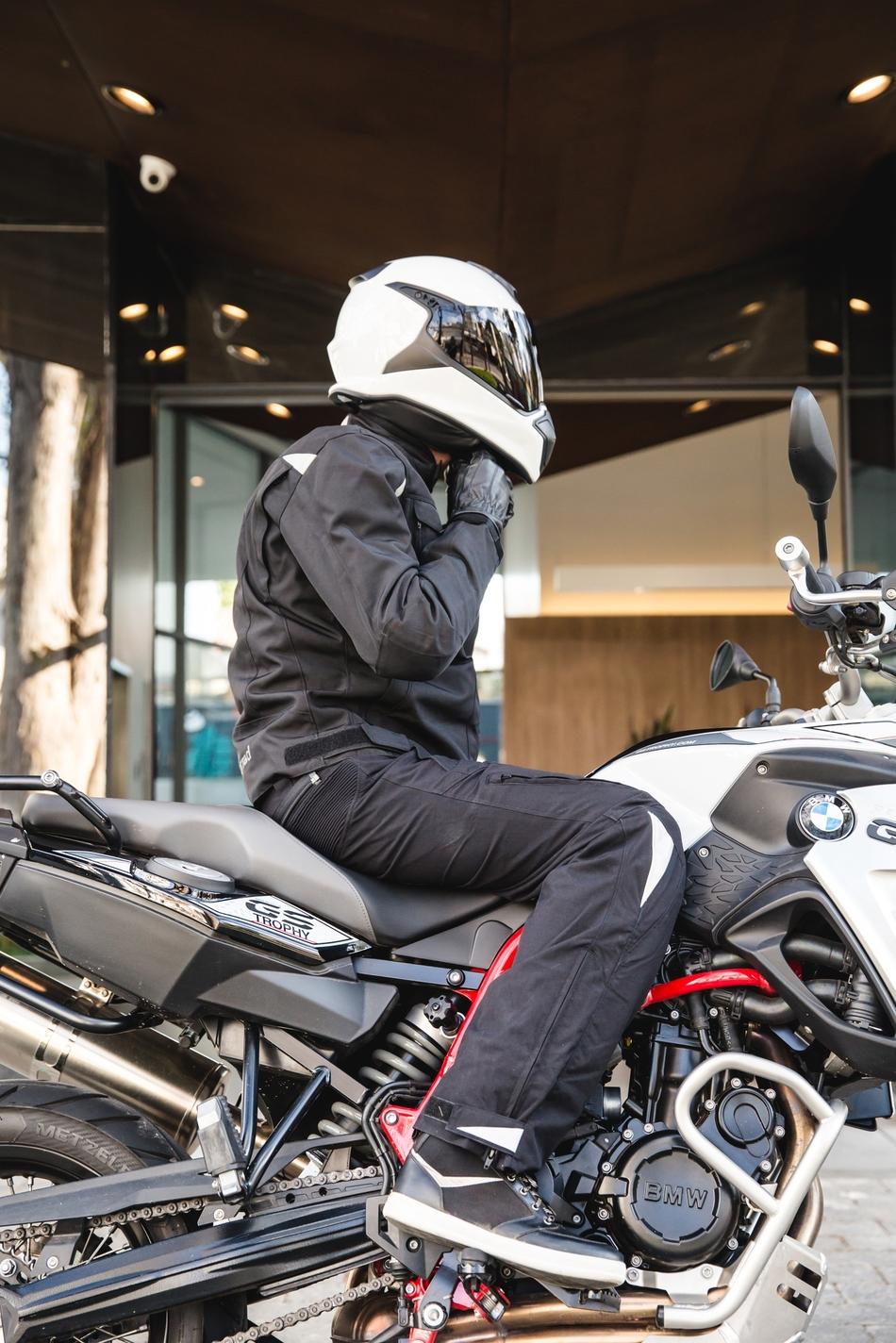48bf47d81b4be CALÇA BMW CANASTRA COM FORRO 100% IMPERMEÁVEL. BMW Motorrad - é na ...