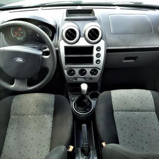 Ford Fiesta 1.6 Mpi Hatch 8V Flex 4P
