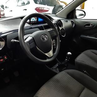Toyota Etios Hatch X 1.3 16V Flex