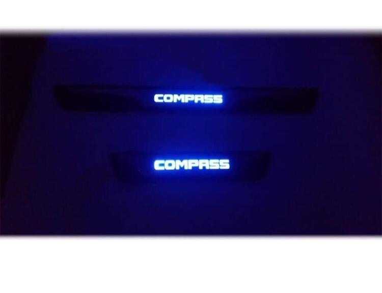 galeria Soleiras com Led Compass