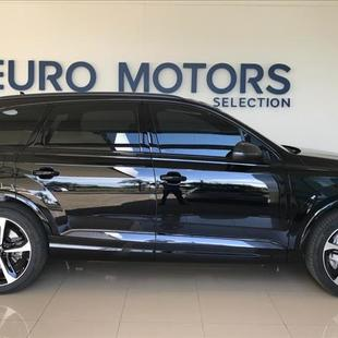 Audi Q7 3.0 V6 TDI Performance Black