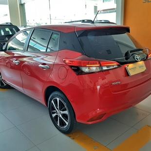 Toyota Yaris Hb 1.5 Prata Flex
