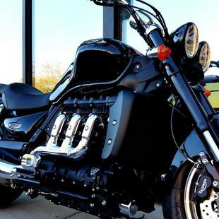 Thumb large comprar rocket iii roadster abs c9aaf7ef4a