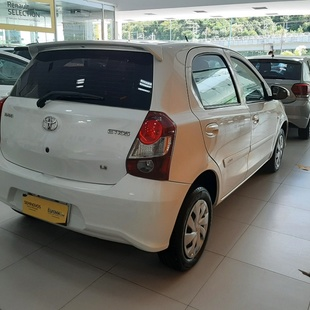 Toyota Etios Hatch X 1.3 16V At Flex