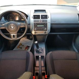 Volkswagen Polo Sedan Comfortline 1.6 8V 4P