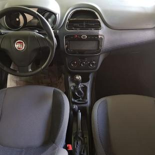 Fiat Punto Attractive 1.4 Flex 4P