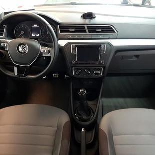 Volkswagen Voyage 1.6 Vht Highline Flex 4P
