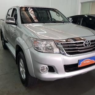 Toyota Hilux 2.7 Flex 4X4 Cd Srv Auto 4P
