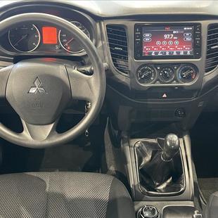Mitsubishi L200 TRITON 2.4 16V TURBO DIESEL SPORT GLS CD 4P 4X4 MANUAL