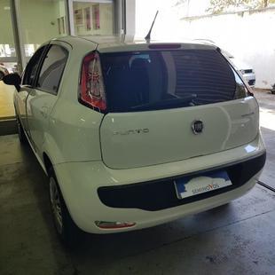 Fiat Punto Attractive 1.4 Flex 4P