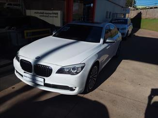 BMW 750I 4.4 Luxury Sedan V8 32V