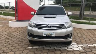 Toyota HILUX SW4 3.0 SRV 4X4 7 LUGARES 16V TURBO INTERCOOLER DIESEL 4P AUTOMÁTICO
