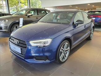 Audi A3 2.0 TFSI Sedan Performance Black