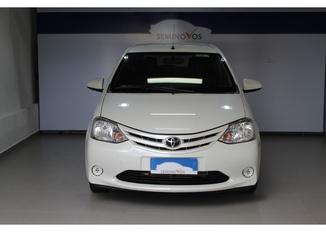 Toyota Etios Hb X Manual 4P