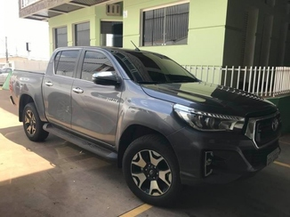 Toyota HILUX 2.8 SRX 4X4 16V TURBO INTERCOOLER DIESEL 4P AUTOMATICO