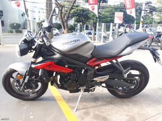 Triumph  675 R